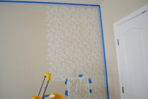 how to stencil a wall, stencil wall diy