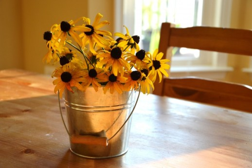 Whats Ur Home Story: simple flower , simple floral centerpieces