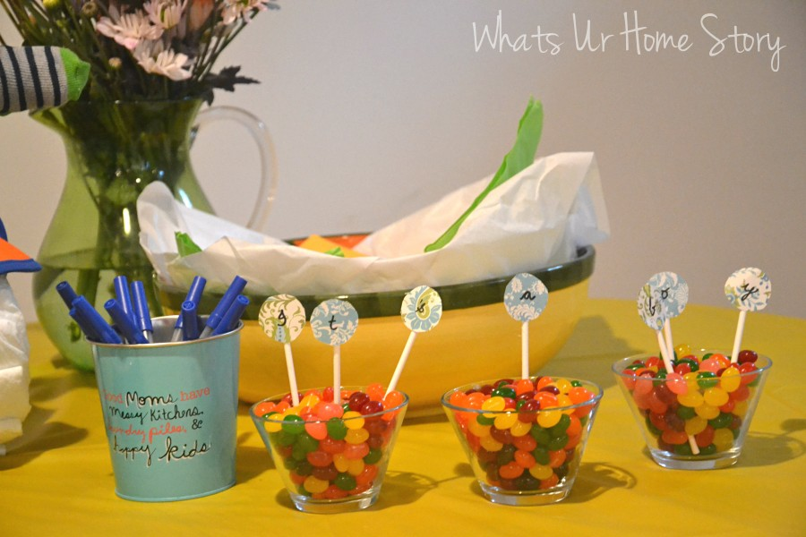 Whats Ur Home Story: Simple baby shower decor