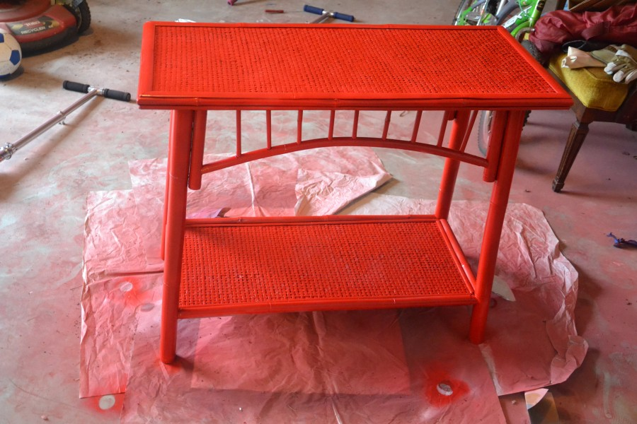painting bamboo furniture, spray paint furniture, Rustoleum Apple Red Paint