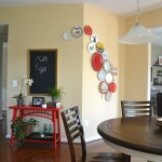 Whats Ur Home Story: Plate wall, diy chalkboard from mirror
