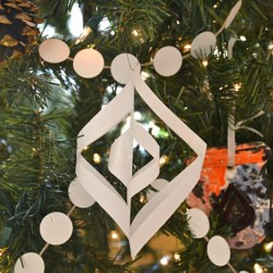 Whats Ur Home Story: Paper Christmas Ornaments, handmade Christmas Ornaments, DIY ornaments, handmade holiday decorations