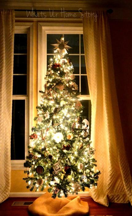 Whats Ur Home Story: handmade Christmas decorations, simple Christmas tree, natural decor Christmas, white and red Christmas tree, handmade ornaments Christmas tree
