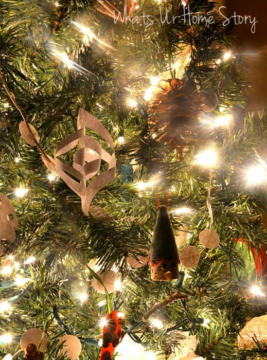 Whats Ur Home Story: handmade Christmas decorations, simple Christmas tree, natural decor Christmas, white and red Christmas tree, paper christmas ornaments
