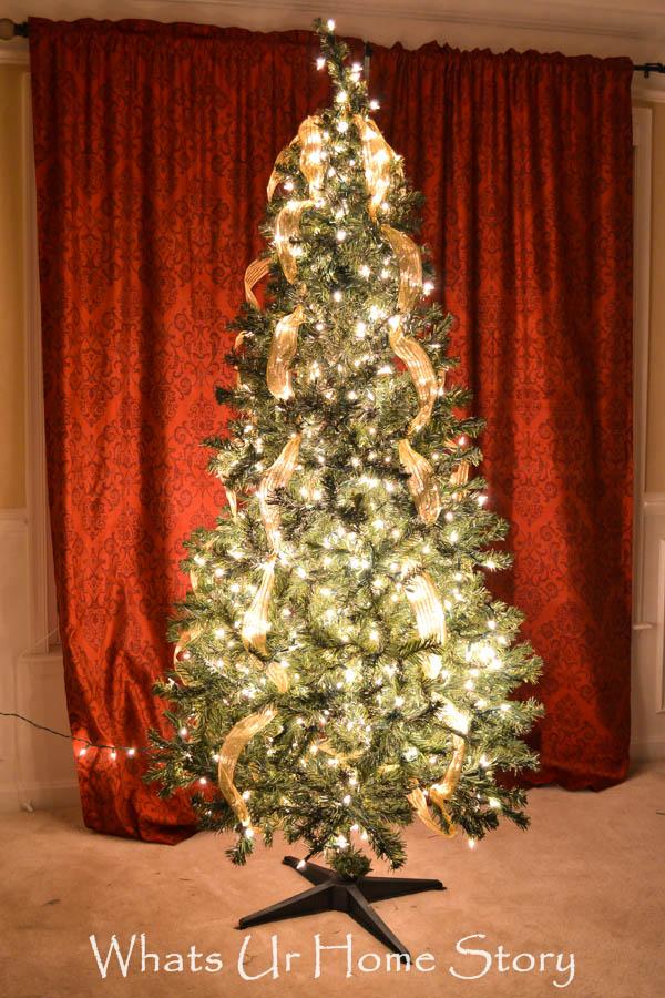 How to light a Christmas Tree