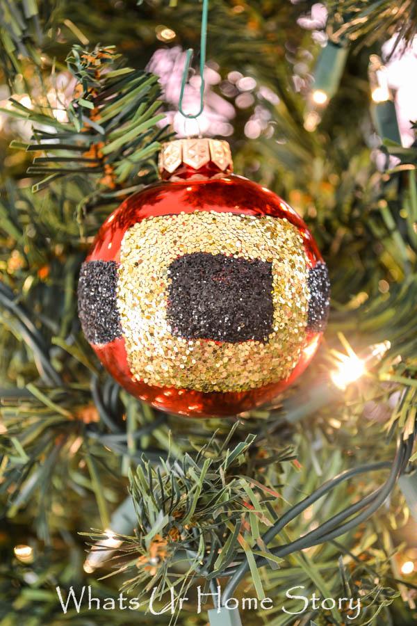 How to make a Santa belt ornament