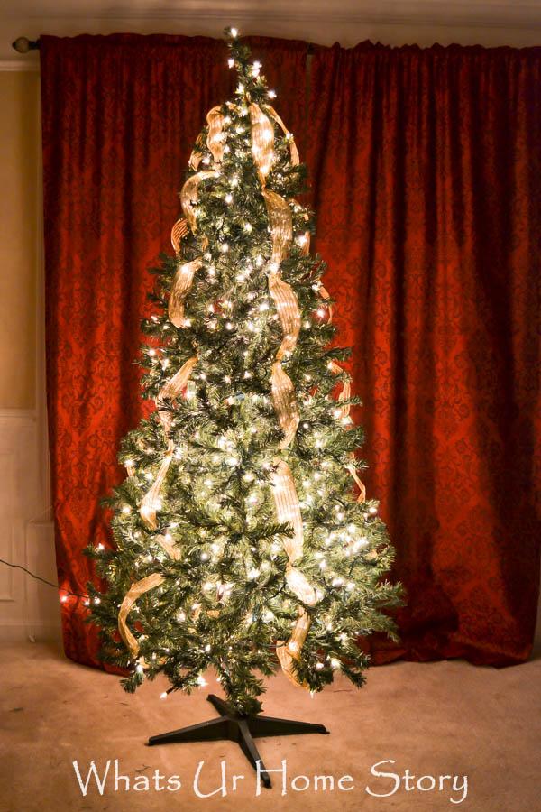 How to put Lights on Christmas Tree
