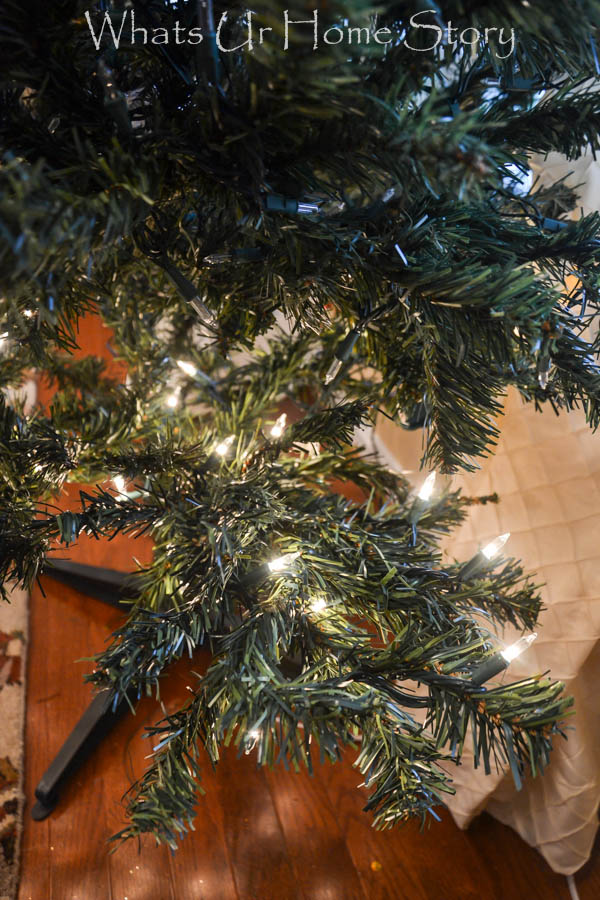 How To String Lights In Christmas Tree : How to Hang Christmas Tree Lights - Whats Ur Home Story