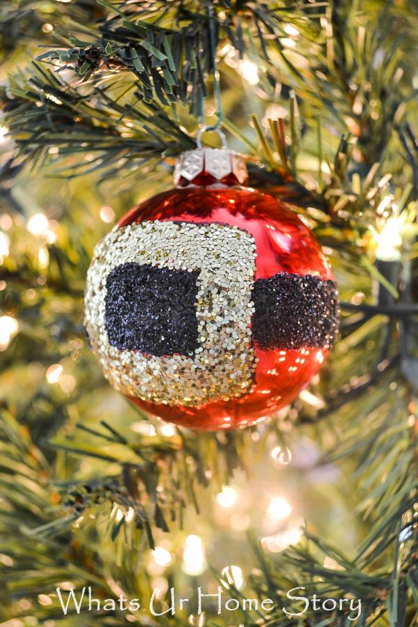 Santa belt buckle ornament