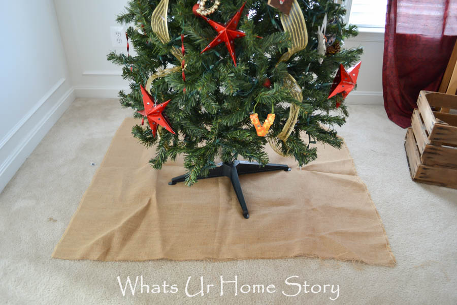 Burlap Covered Faux Root Ball Tree Skirt Tutorial