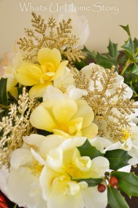 Holiday Flower Arrangements - Whats Ur Home Story