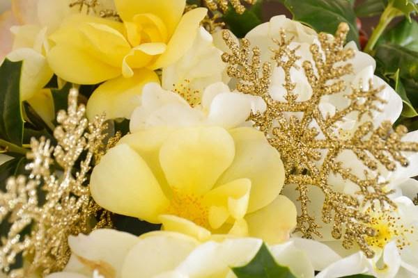 DIY Holiday Flower Arrangement
