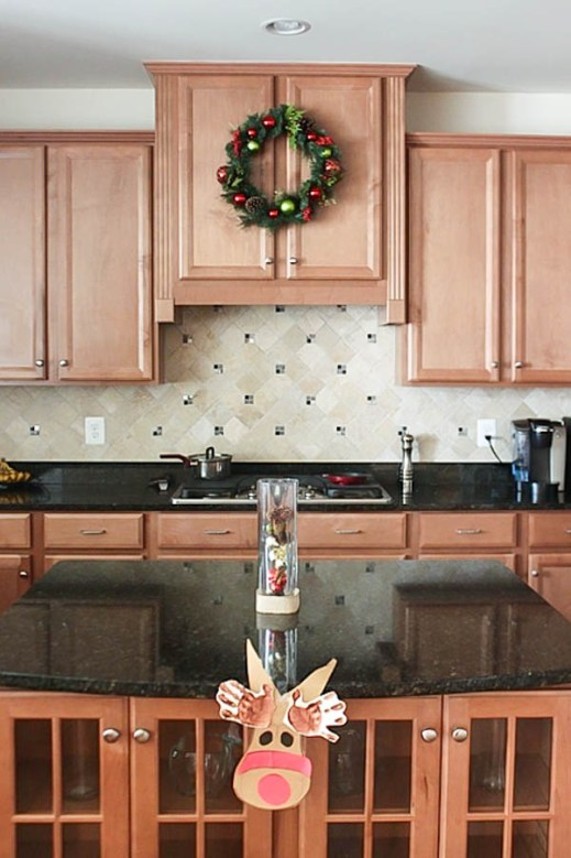 how to decorate your kitchen for the holidays