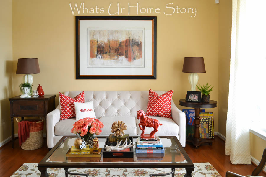 Transitional living room with neutral wall color - SW August Moon