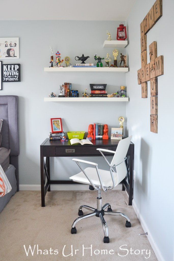 Bedroom design for tween boys- floating shelves are a great way to display those Lego creations