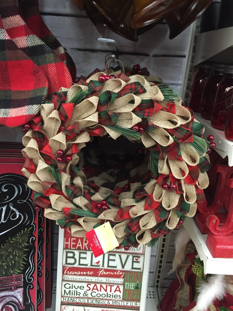 Burlap Christmas wreath in red and green