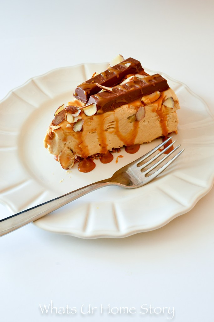 This easy no bake dessert will wow the guests at your party - kit kat and caramel no bake cheesecake