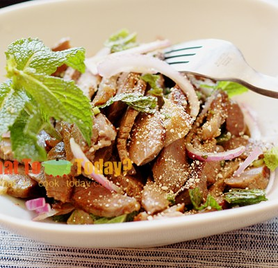 GRILLED BEEF SALAD FROM ISAN / NAAM TOK NUEA