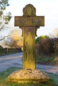Wooden-Anmer-village-sign-in-Anmer-1798356
