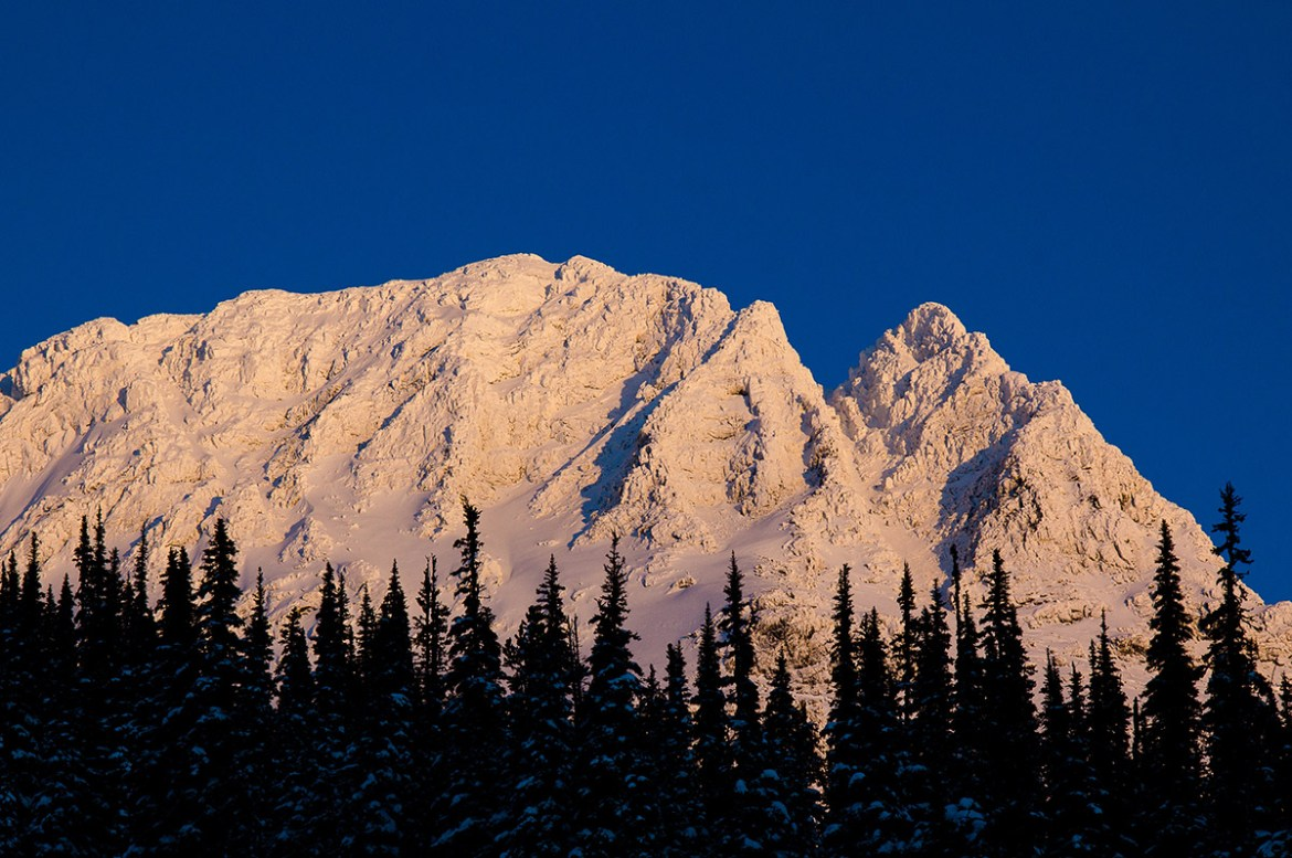 blackcomb-mountain-bc-alpenglow