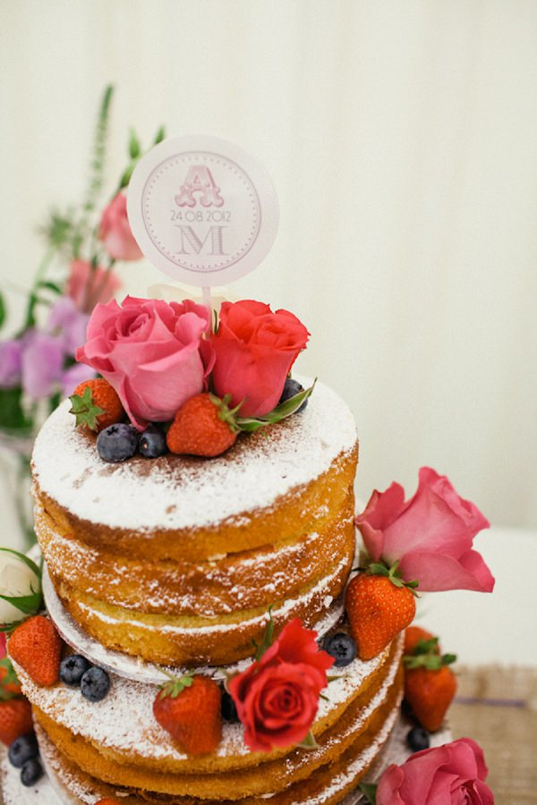 naked cake victoria sponge wedding