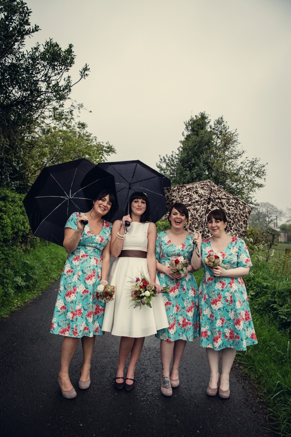 glastonbury festival inspired wedding http://assassynation.co.uk/