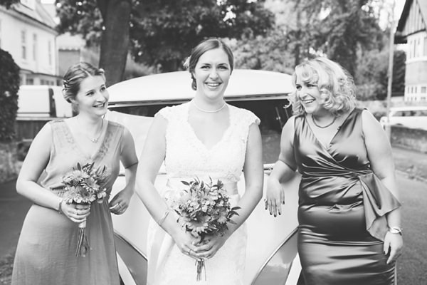 Relaxed Back Garden Wedding http://bethmoseleyphotography.co.uk/
