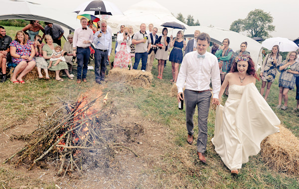 Campfire Natural Bohemian Vegan Yurt Wedding http://www.ctimages.co.uk/