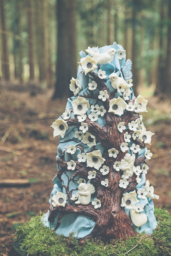 Woodland Wonderland Wedding Ideas Cake http://www.jessicawitheyphotography.squarespace.com/