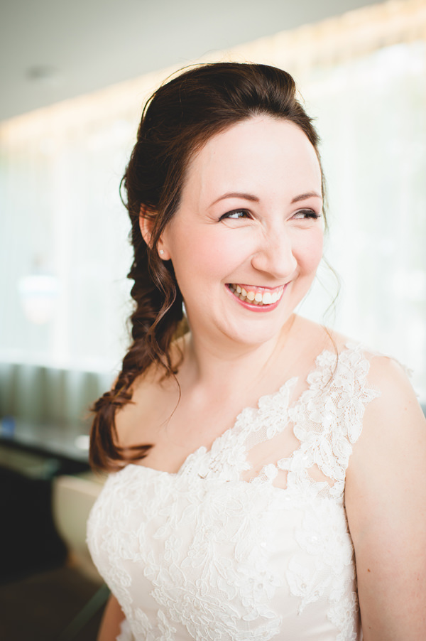 Simple City Chic Wedding Natural Beautiful Bride Make Up http://photographybyclare.co.uk/