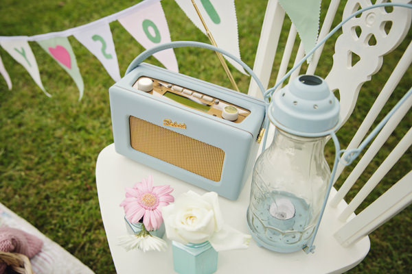 Sweet Pretty Picnic Engagement  http://www.gemmawilliamsphotography.co.uk/