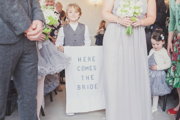 Children Flowergirl Pageboy Wedding Aisle Sign http://www.cottoncandyweddings.co.uk/
