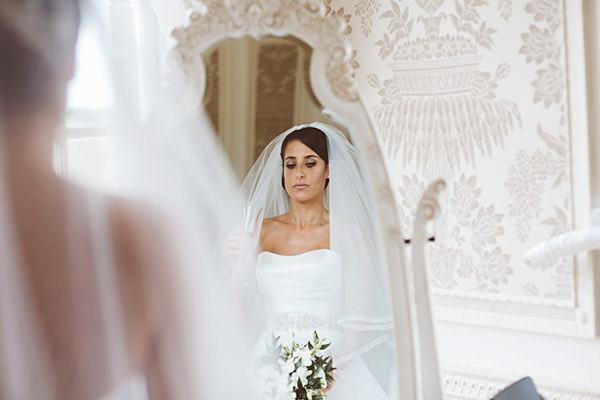 Classic Elegant Country House Wedding Veil Bride http://www.jayrowden.com/