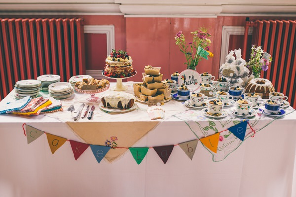 Crafty Hand Sewn Vintage Wedding Cake Table http://www.njphotographic.co.uk/