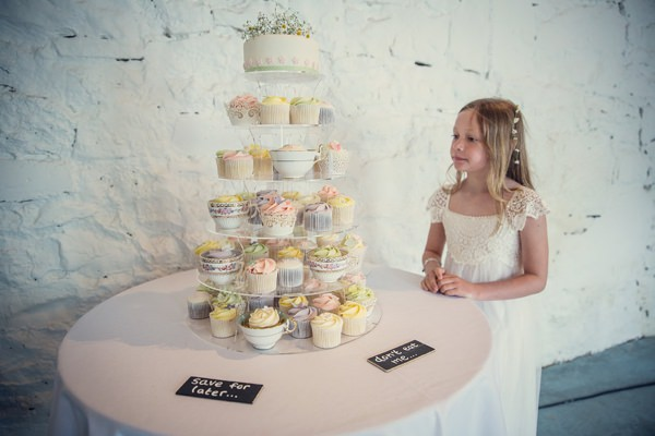 Country Barn Wedding Cupcake Tower http://assassynation.co.uk/