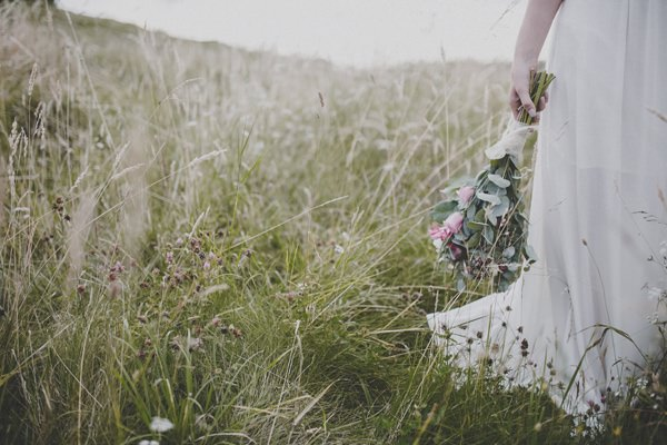 Bohemian Countryside Wedding Ideas Rose Bouquet http://www.frankee-victoria.co.uk/