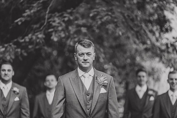 Relaxed Hollywood Glamour Wedding http://www.pauljosephphotography.co.uk/
