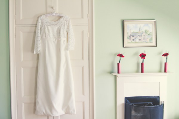 Vintage 1960s Spring Wedding Dress http://www.flukephotography.co.uk/
