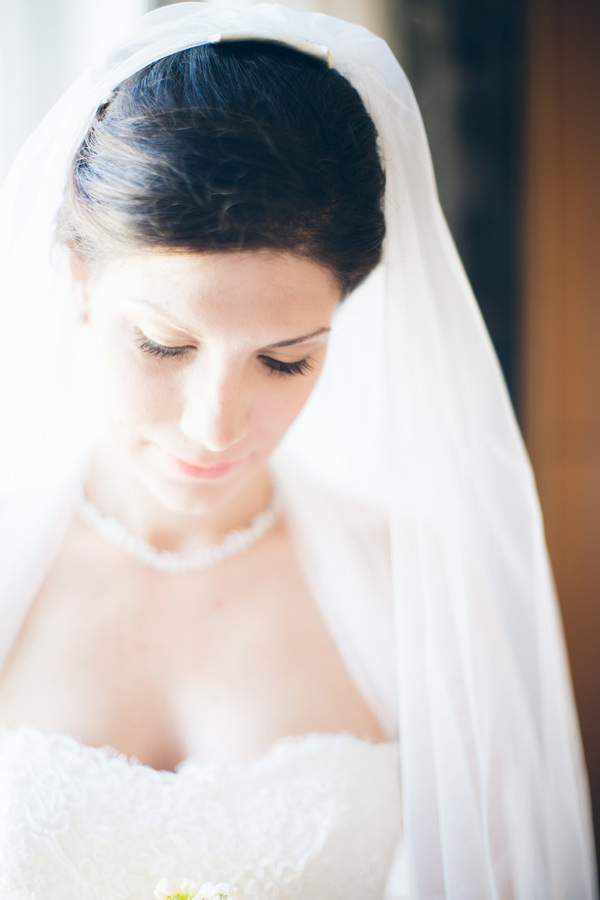 Pastel Dessert Table Italy Wedding Natural Make Up Bride Veil http://www.lesamisphoto.com/