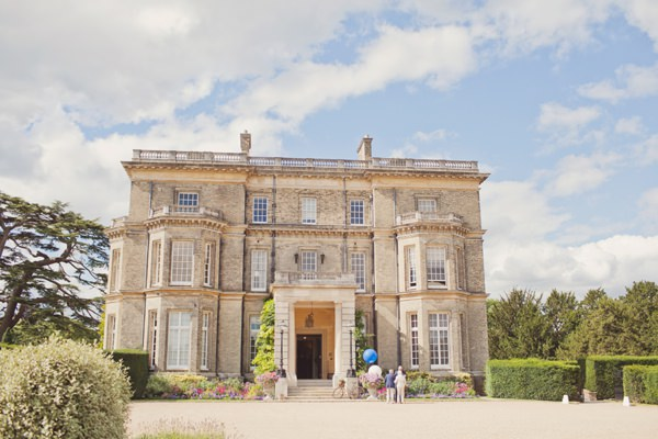 Hedsor House Timeless Modern Hydrangea Wedding http://www.cottoncandyweddings.co.uk/