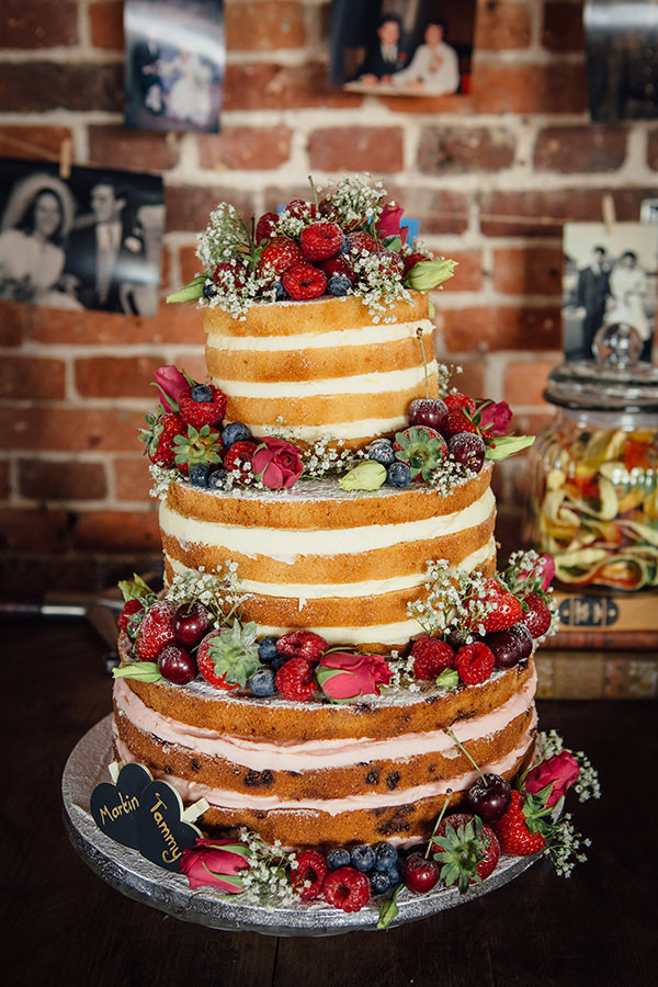Naked Sponge Cake Wedding Fruit Layer Fun Camping Country Outdoor Wedding http://www.frecklephotography.co.uk/