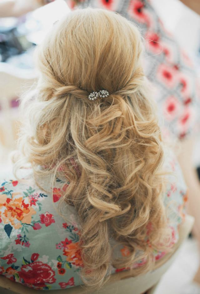 Bride Bridal Hair Stlyle Curls Waves Half Up Down Pretty Pink Shabby Chic Barn Wedding http://verman.co.uk/