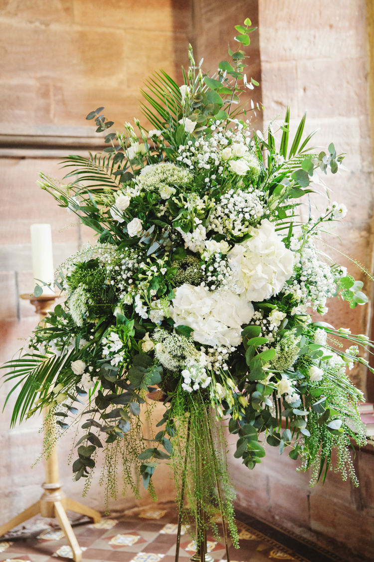 Church Flowers Natural Country Pub White Wedding http://www.gemmawilliamsphotography.co.uk/