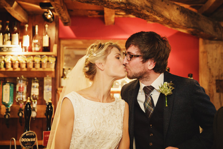 Natural Country Pub White Wedding http://www.gemmawilliamsphotography.co.uk/