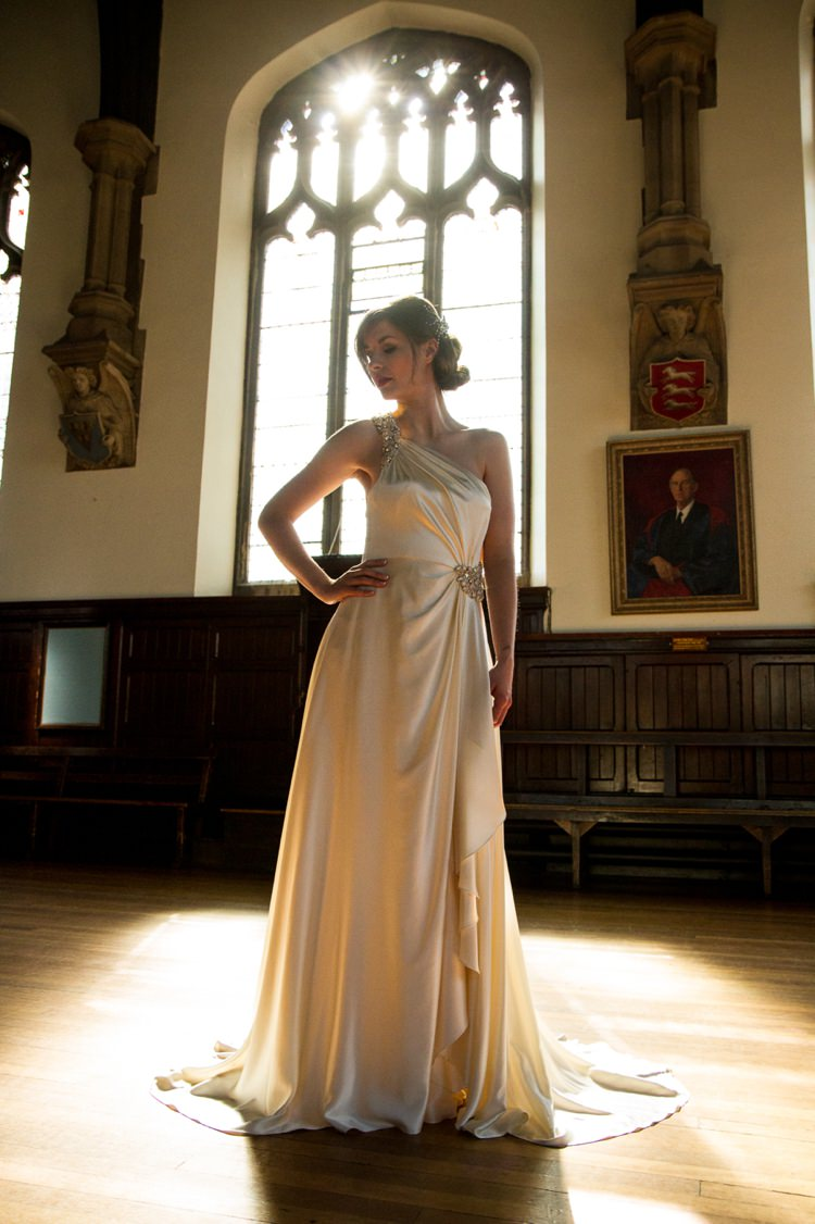 Secondhand designer wedding dresses for Wedding dresses on harwin in houston texas