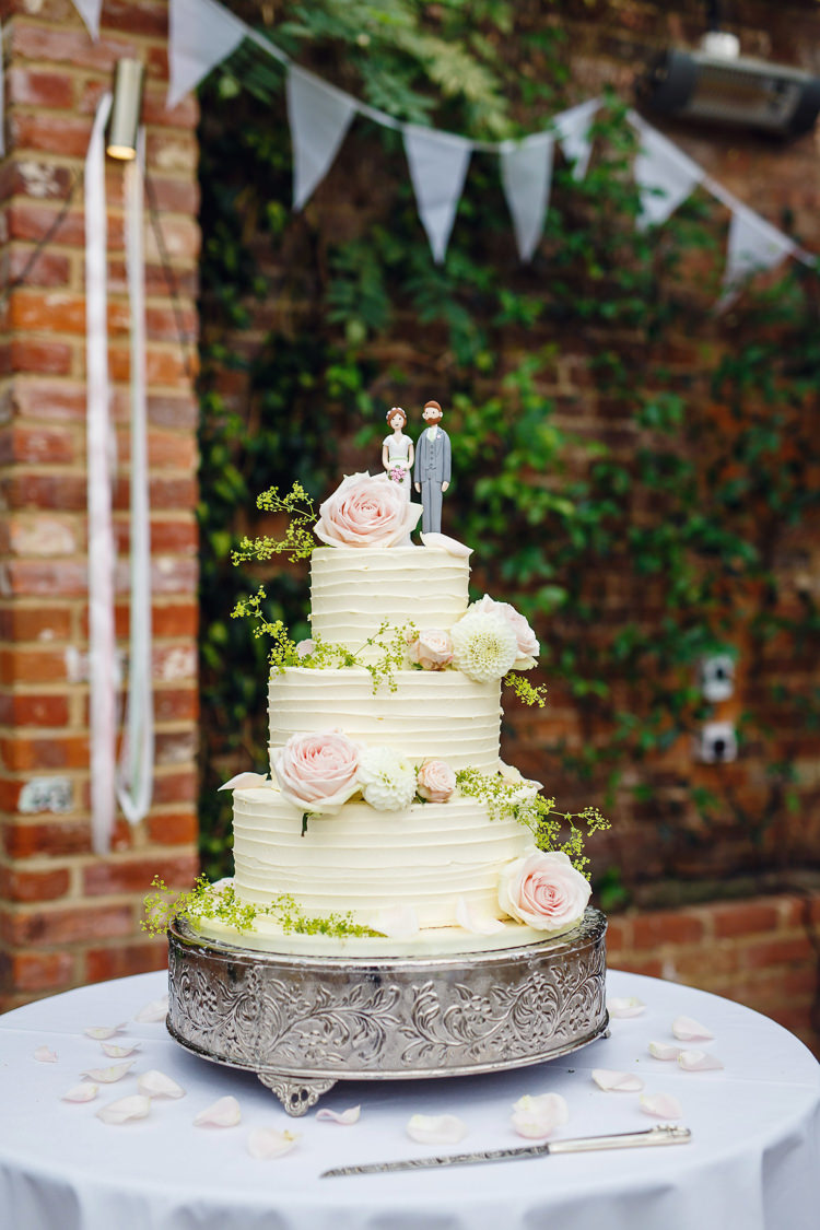 Buttercream Cake Flowers Soft Modern Vintage Garden Wedding http://kirstenmavric.co.uk/