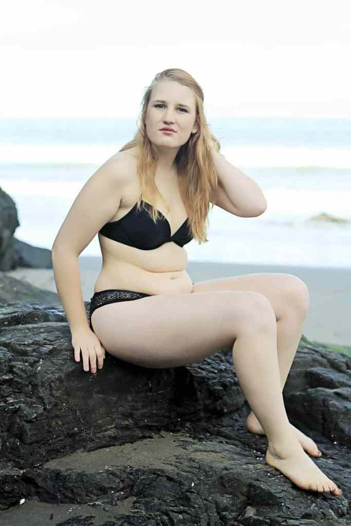 What Happens When A Curvy Girl Poses Like A Swimsuit Model