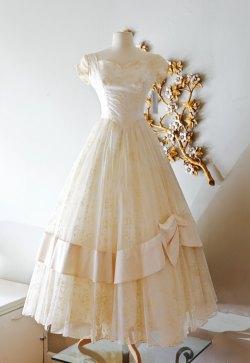 Enamour Color Tea Length Wedding Dresses 2017 Bow Finding A Tea Length Wedding Dress Whirling Turban Tea Length Wedding Dresses Vintage Wedding Dress