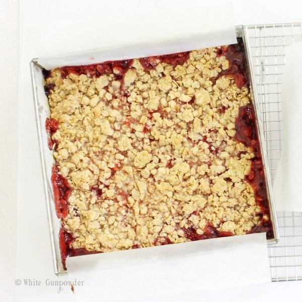 Crumble bars - strawberry jam 1411