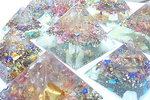 orgone pyramids at Lightstones